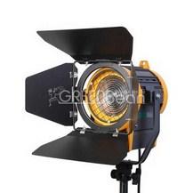 Студийный галогенный осветитель GreenBean Fresnel 650 Вт с линзой Френеля